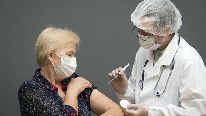 Массовая вакцинация от коронавируса в Ростовской области: Минздрав открыл горячую линию