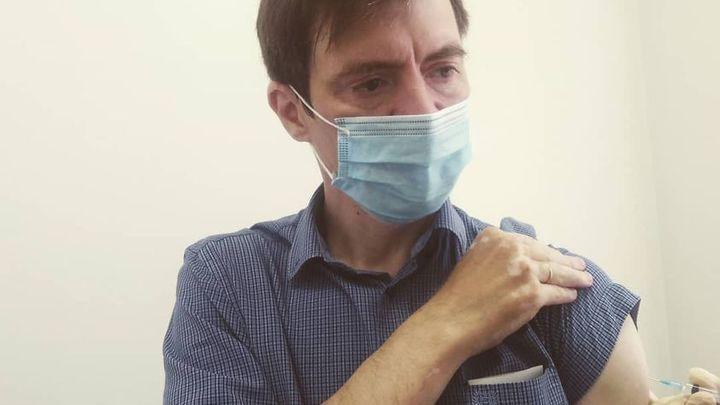 Новосибирского депутата обвинили в пропаганде вакцинации из-за поста в соцсети