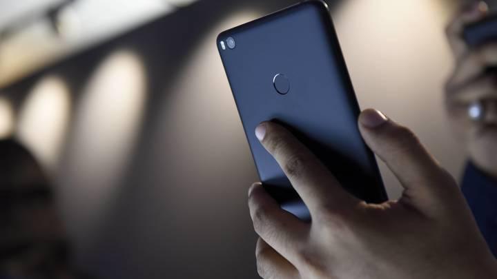 Xiaomi Mi8 представлен на суд публики в Китае