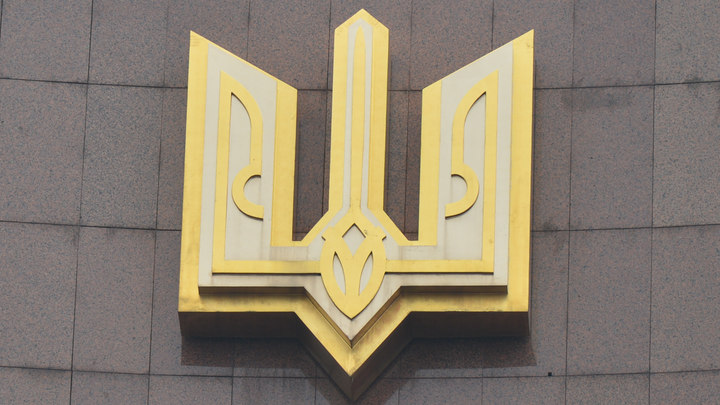 Скоро будете ссылаться на СБУ: Скандальный украинский нардеп сцепился с журналистами в коридоре ПАСЕ