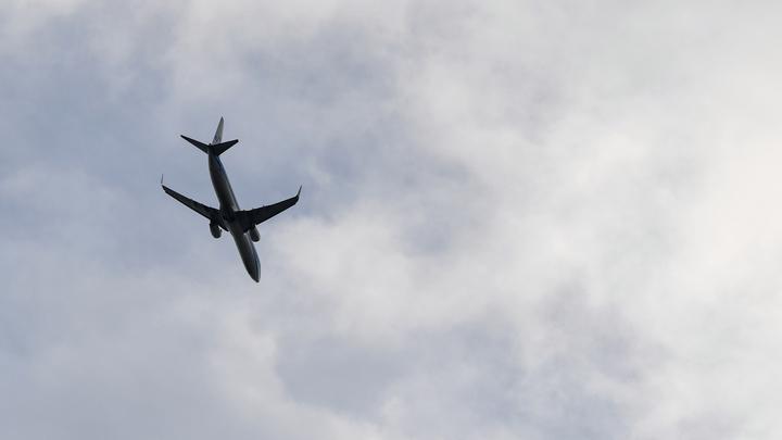 Мьянма развернула самолёт обратно в Китай из-за одного заболевшего китайца