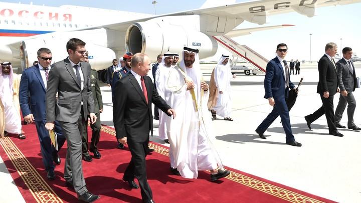 Хитрые арабы: В Сети оценили пышный приём Путину в ОАЭ с русификацией небоскрёбов