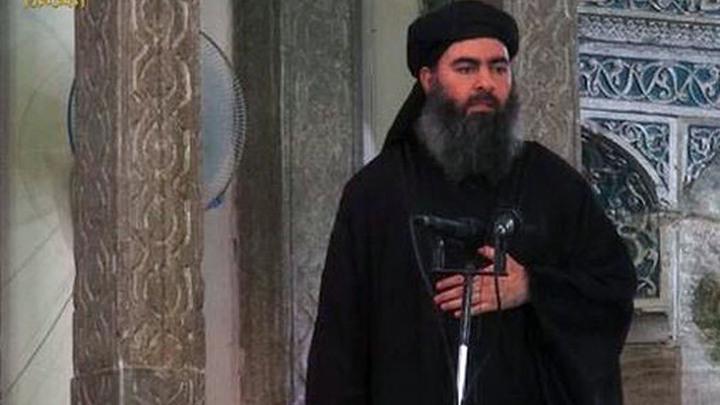 Главаря ИГИЛ нашли отдыхающим в военном джипе США - фото