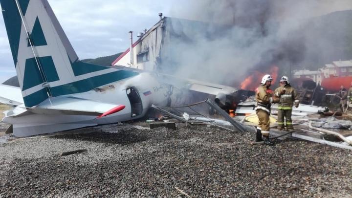 Второй пилот загоревшегося Ан-24 в Бурятии выжил и даёт показания