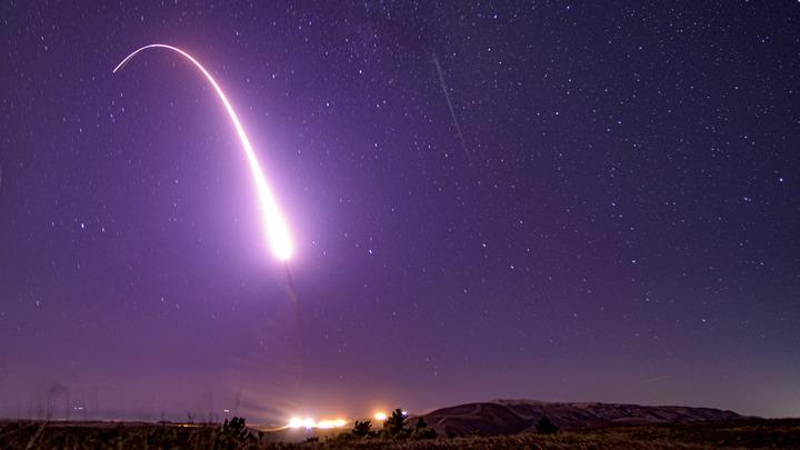 А база-то непростая. Ракета может долететь за 20 минут: Военного США поймали за курением наркотиков