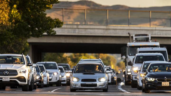 Кого кнутом, а кого и пряником: Пользователи гадают, как будут поощрять аккуратных водителей