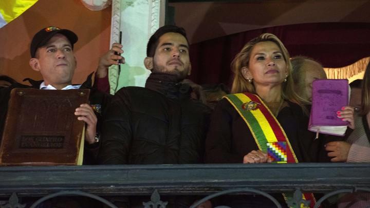 Россия признала Жанин Аньес главой Боливии, несмотря на определённый момент