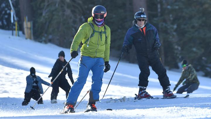 Горнолыжный курорт в Подмосковье засыпят искусственным снегом для фестиваля Спорт! Снег! Смех!
