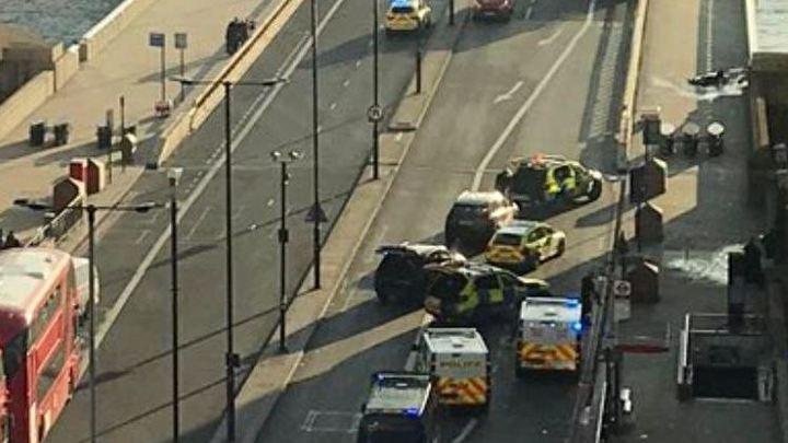 На трупе расстрелянного полицейскими в Лондоне нашли муляж бомбы. Инцидент признан терактом