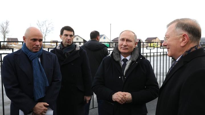 Путин пообещал изучить возможность реализации проекта Великая Русская стена