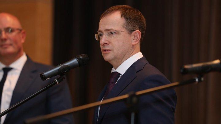 На посту помощника Путина Мединский может заняться подготовкой 75-летия Победы - политолог