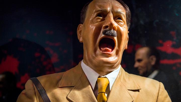 «Гитлер – первый демократ». Какие кумиры, такая и страна