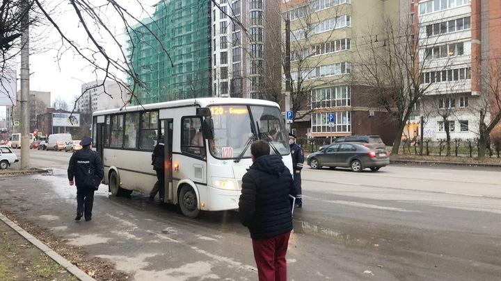 За нарушение масочного режима в Ивановской области из транспорта высадили 899 пассажиров