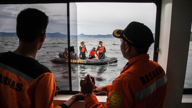 Работавший без лицензии паром мог погубить более 160 человек в Индонезии