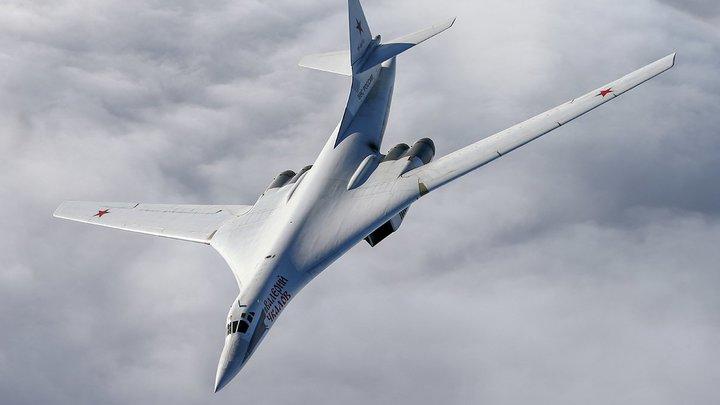 Стратегические ракетоносцы показали ядерную мощь РФ - видео