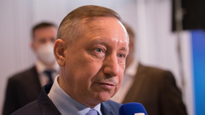 На фоне слухов о третьей волне губернатор Санкт-Петербурга решил сделать себе третью прививку