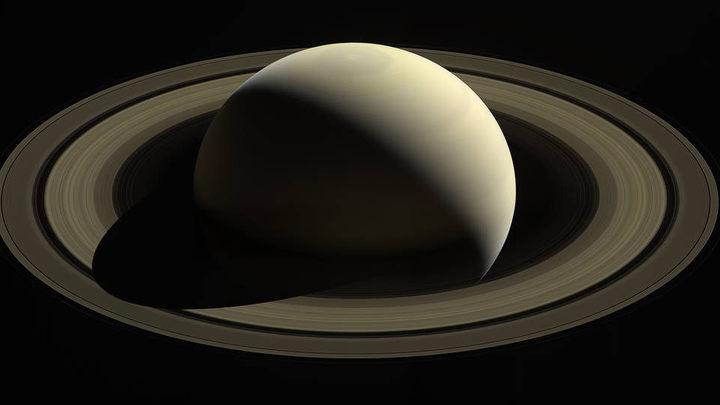 NASA показало, что запечатлел Cassini перед смертью на Сатурне