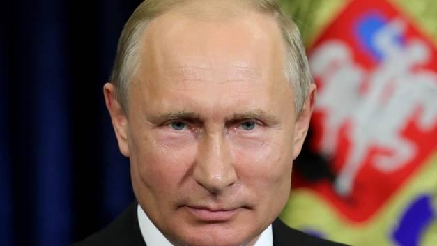 Новые перестановки во власти: Путин выбрал временных руководителей Алтайского края и Амурской области