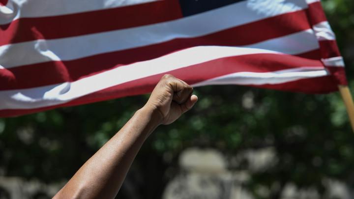 «Это нечестно!»: Трамп парой фраз научил американцев азам мировой торговли