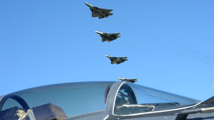 Испытанный в Сирии истребитель пятого поколения Су-57 закупят для трёх авиаполков РФ