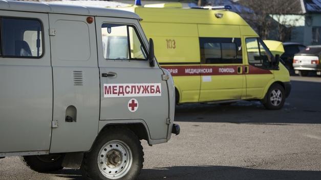 Микроавтобус столкнулся с двумя авто в Рязани: 16 пострадавших, в том числе дети