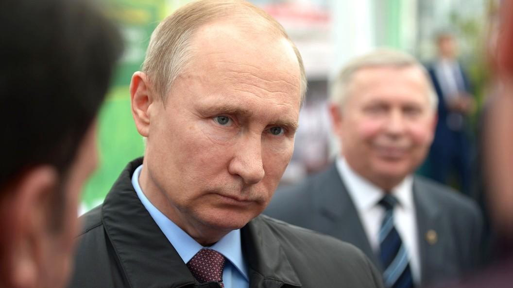 За штурвалом - президент России: Путин испытал «лунолет» - видео