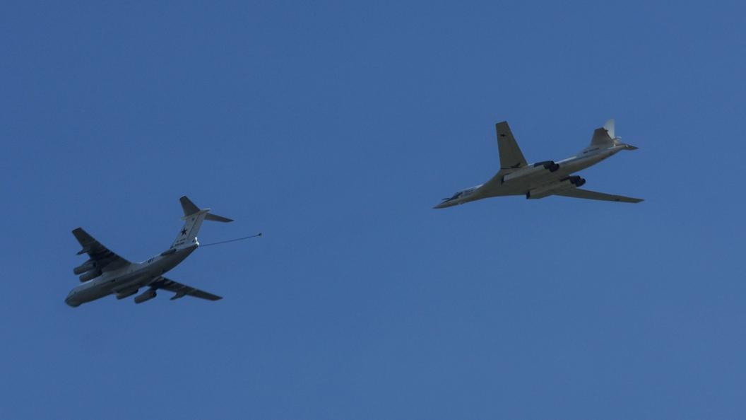 Встолице франции сообщили осближении русских самолетов сфранцузскими кораблями