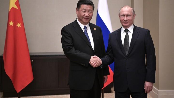 Путин приветствовал в Кремле лидера Китая Си Цзиньпина