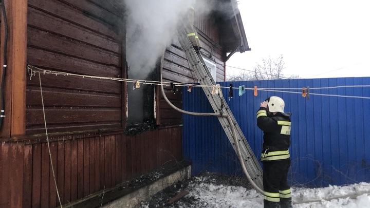 В сгоревшем бараке в Петушинском районе погибла женщина