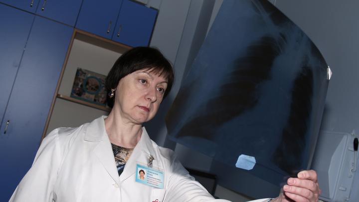 В Новосибирске врачи рассказали, как отличить бактериальную пневмонию от ковидной