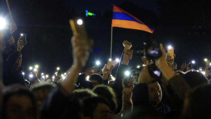 Лидер армянской оппозиции рассказал о содержании разговора с президентом Армении
