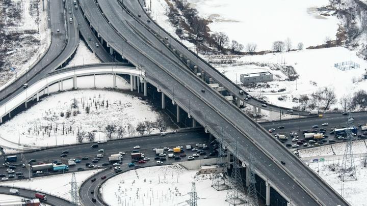 Из-за подтопления перекрыли движение от МКАД до центра Москвы