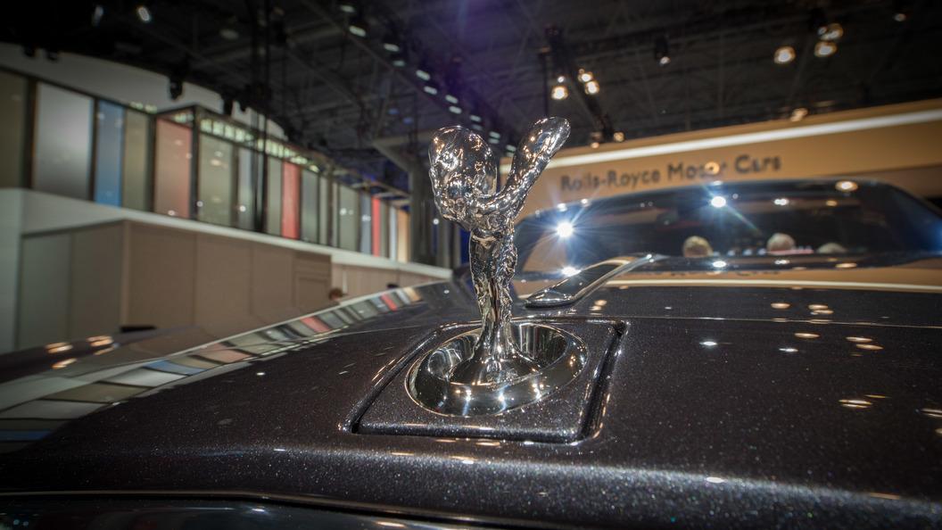 Rolls-Royce показал на фото архитектуру роскоши нового Phantom