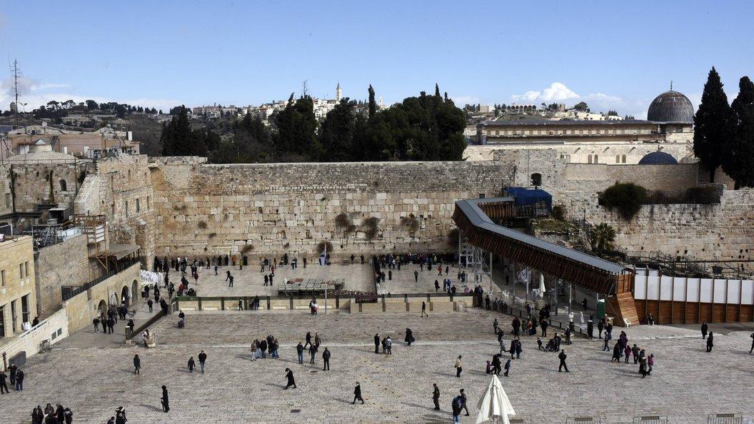 Злоумышленники открыли огонь по толпе у Храмовой горы в Иерусалиме
