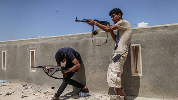 Туркам может не поздоровиться? Маршал Хафтар грозит сбивать самолёты над Триполи