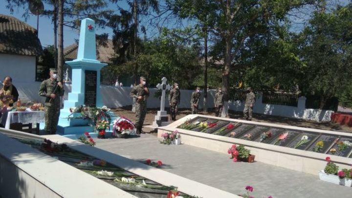 Вместо памятника Подвигу русских солдат в Адлере установили грядку