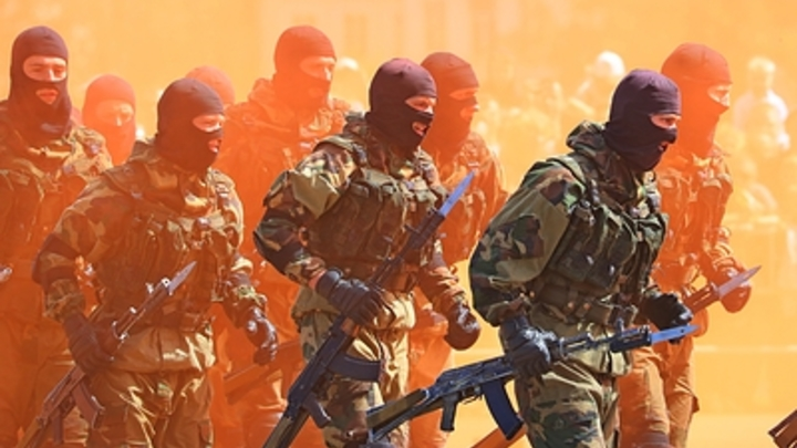 Пробитые головы и зубы: Силовики Белоруссии показали неудобное провокаторам видео