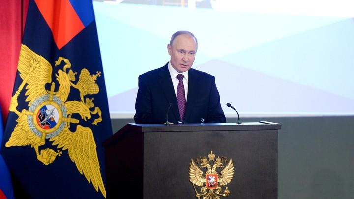 Кого готовили на место Путина? Политолог проговорился об уничтоженном за год преемнике Ельцина