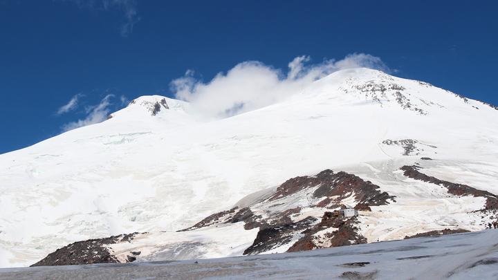 Альпинисты из Новороссийска в составе тургруппы застряли на Эльбрусе: главное
