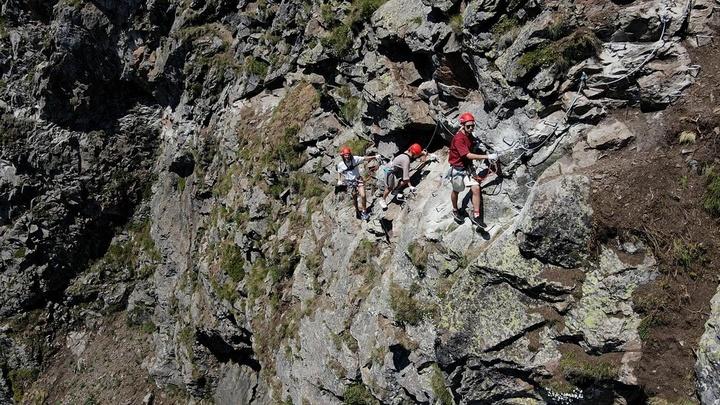 На Кубани открылась третья виа феррата, которая ведет на вершину горы Черная Пирамида