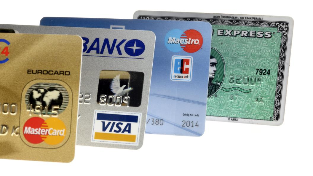 comparison of visa and master card Visa, mastercard, american express, and jcb are among the biggest payment networks that provide the technology for card payments in e-commerce, banks that provide the cards, either debit or credit, are called issuing banks , or issuers.