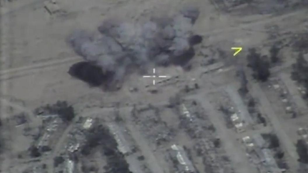 Минобороны показало фото с места авиаудара по логову Абу-Бакр аль-Багдади