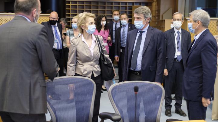 Грабители атаковали Европарламент под шум коронавируса. Пострадало свыше 50 депутатов