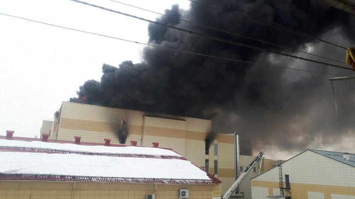 СМИ: Количество жертв пожара в Кемерово достигло 51 человека