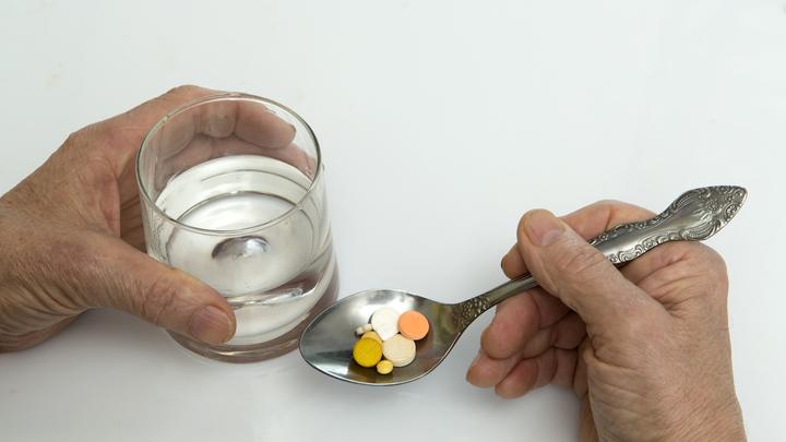 Лекарство из рептилий и чудодейственное средство от COVID: В московские аптеки нагрянули с облавой
