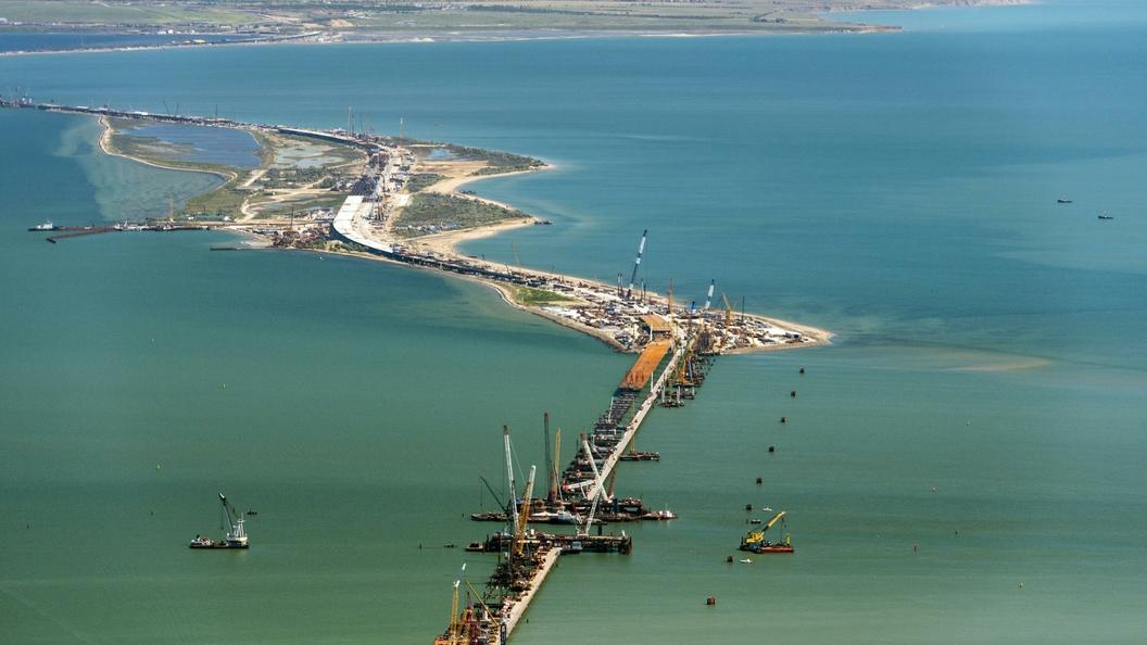 Самолеты и дроны над Крымским мостом не будут летать ниже километра