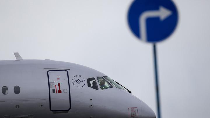 Когда обвалился песо: Зарубежный эксплуатант Суперджета распродаёт самолёты - СМИ