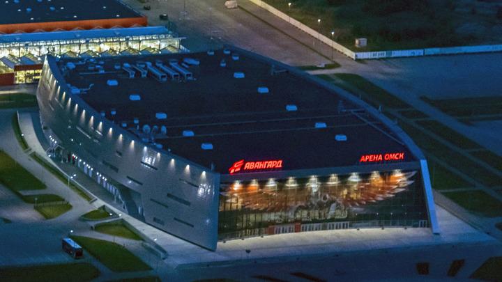 Если бы не визит президента... В Омске начали разбирать смертельно опасную хоккейную арену