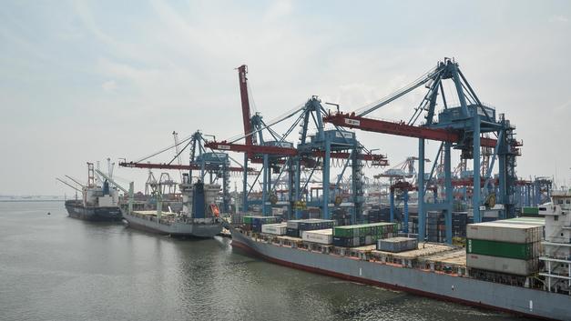Битва за порт: Транснефть заявила о переговорах о продаже НМТП после ареста Магомедова