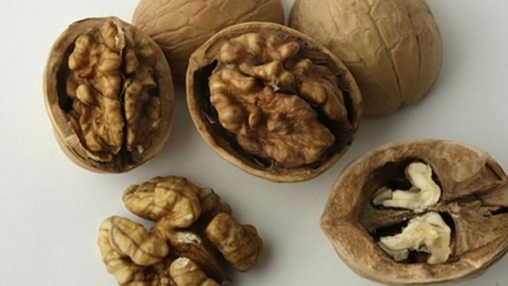 От орехов до зелёного горошка: Диетолог дала семь советов по питанию зимой